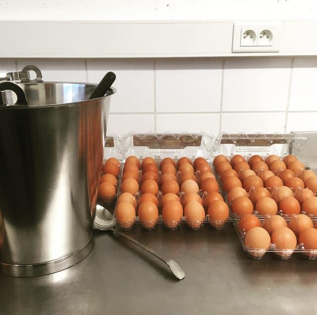 Een ontbijtborrel organiseren voor je babyborrel